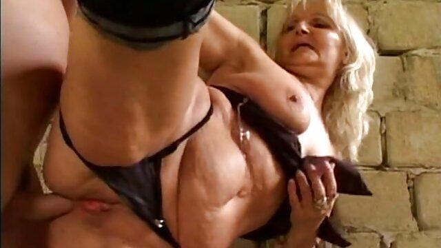 Rubia follando sub español hablando sucio masturbación.