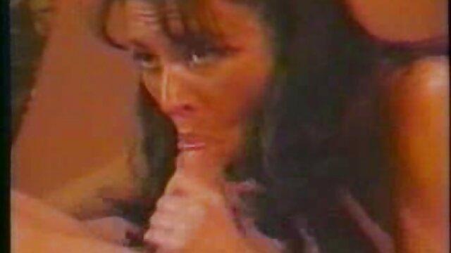 Denise Werley es una puta gorda, pero vídeos pornos de maduras españolas garantiza satisfacción