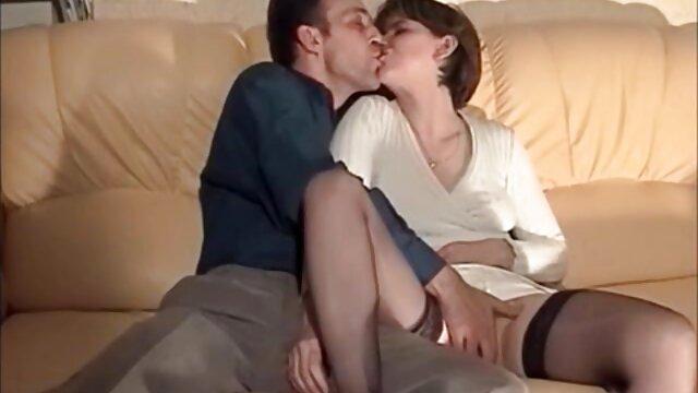 Hermosas chicas videos gratis porno en español lesbianas jugando