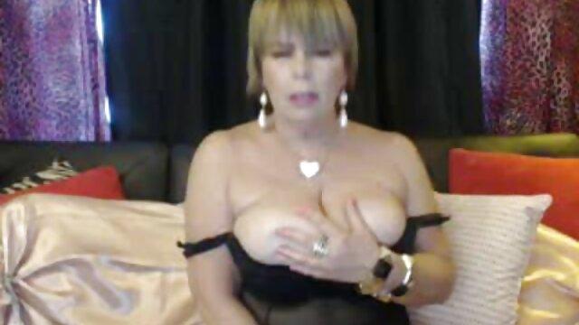 Señora. Delicioso porno por dinero en español