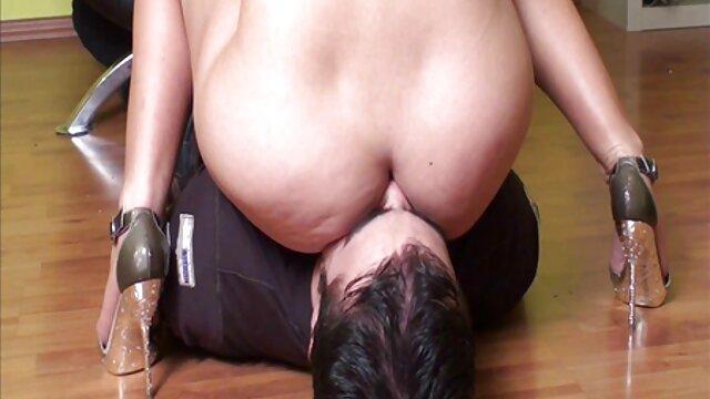 Milf videos de sexo amateur en español tetona Olivia Austin jugando afuera