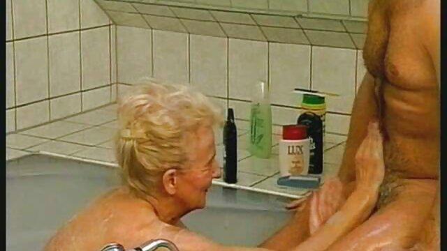 MILF tetona Lavender Rayne chupa la polla con videos de maduras españolas xxx su disfraz sexy