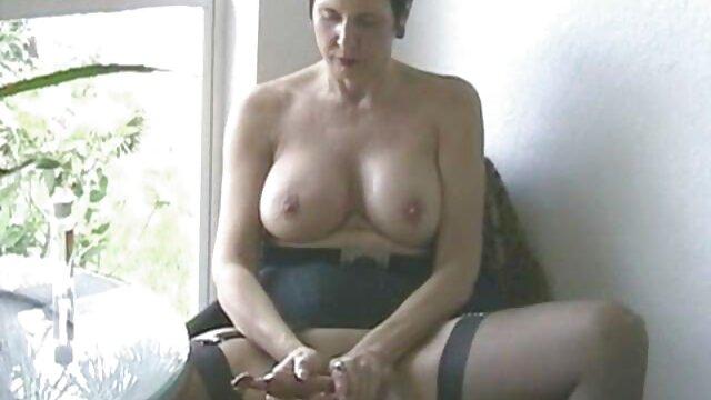 Sexy sub español xxx colombiana de pelo largo y striptease