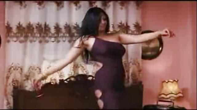 KALINA Y LUNA SE DIVIERTEN EN sexo gratis en español latino LA PISCINA