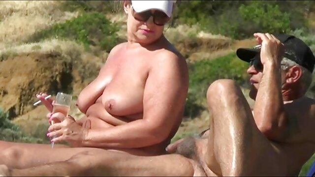 Pareja perrito sexso en español A la mierda