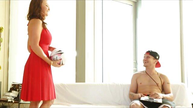 Madre delgada ver videos de sexo gratis en español madura caliente alimentando su coño