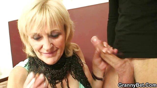TANGA VISIBLE porno familiar español