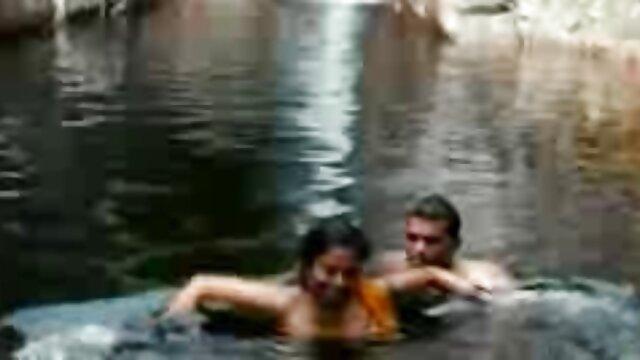 Kendall seduciendo porno español publico a una enorme polla negra