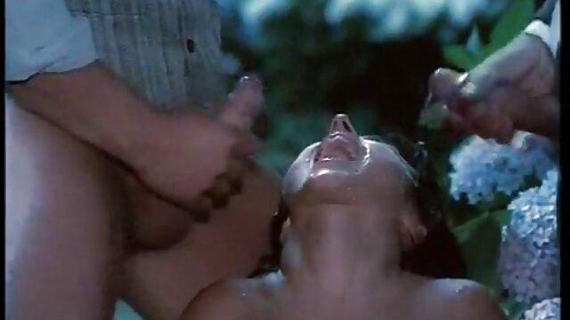 Victoria Sweet - Hot Euro Chicks Culo redondo - Recogidas públicas video erotico en español