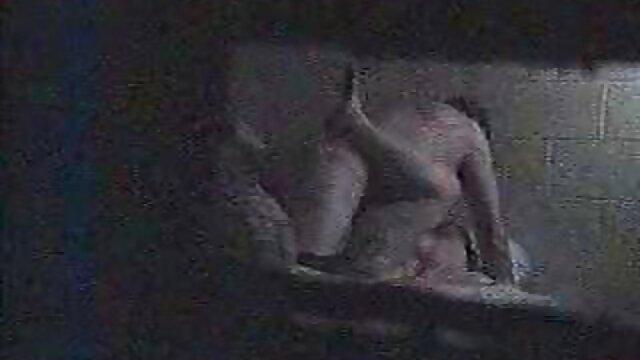 jeune salope porno español en familia grassouillette suce et se fait baiser