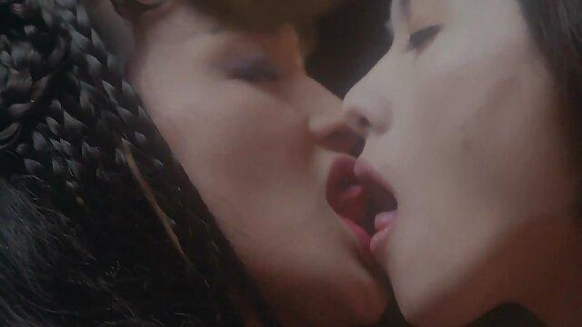 Pequeña amateur follada en videos de sexo gratis en castellano uniforme de girl scout