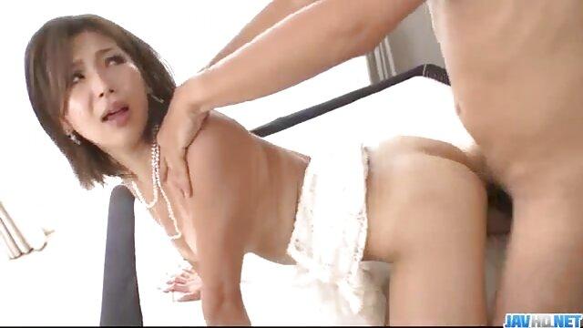 Madre madura natural tetona con cuerpo caliente porno hd sub español