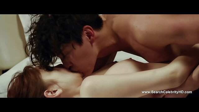 Secretaria cachonda obtiene un bono enorme videos eroticos en español
