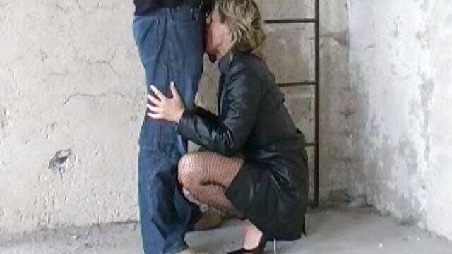 Preciosa señora madura con sub español xxx fuego entre piernas