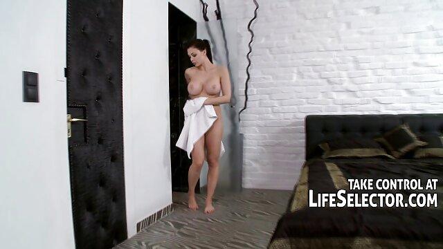 Enfermeras de látex RubberDoll y Anastasia entrenadas por HN Rubberella porno romantico español